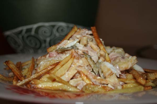 Салат с курицей и жареной картошкой рецепт